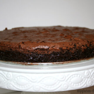 Flourless Chocolate Cake {Gluten-free}