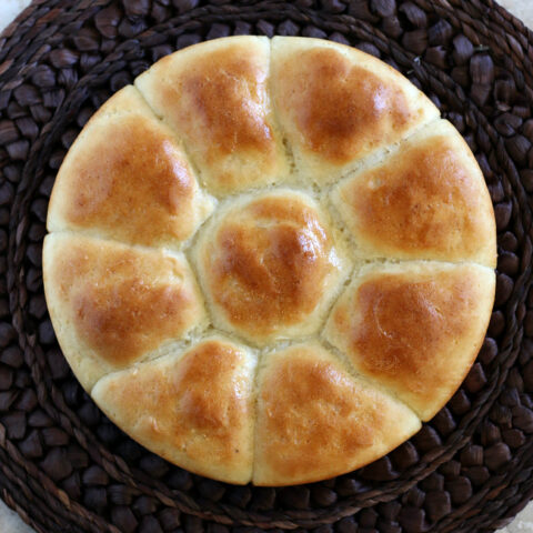 Gluten-free Dinner Rolls Recipe. My tried and true recipe for gluten-free pull-apart dinner rolls! Perfect for holidays or family dinners!