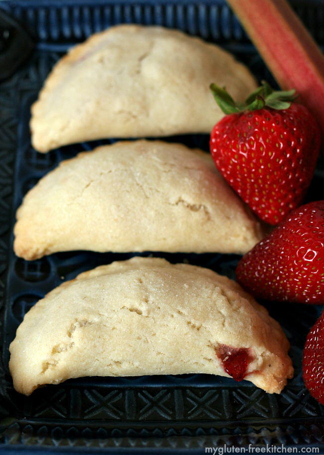 Gluten-free Strawberry Rhubarb Hand Pies. Recipe for a fun portable treat!