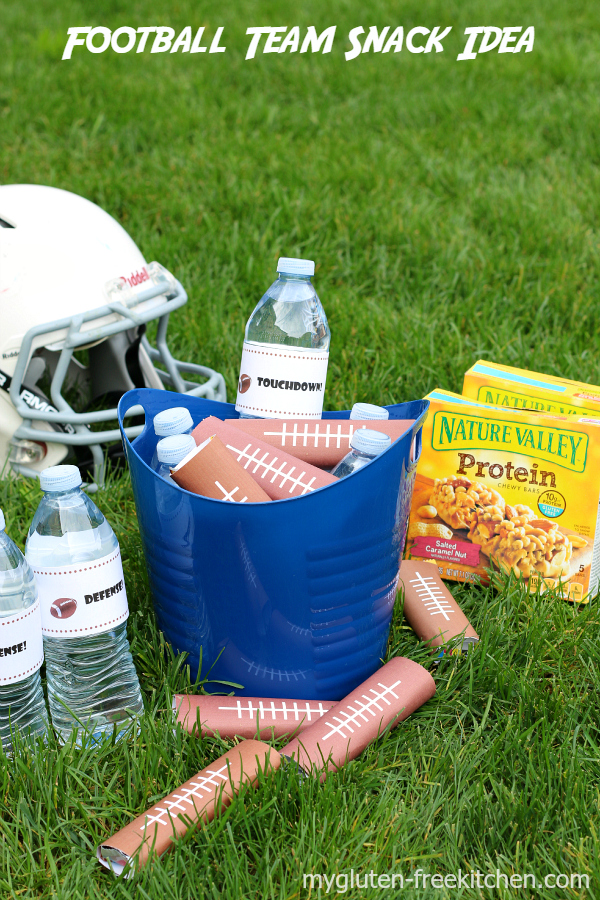 Quick and easy idea for halftime or after-game snacks for the football team. Free printable!