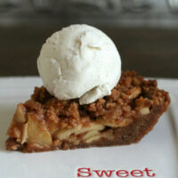Snickerdoodle Streusel Apple Pie {Gluten-free}