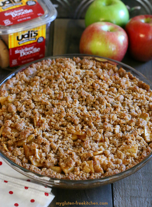Gluten-free Apple Pie with Snickerdoodle Streusel. Recipe for this amazing cross between an apple pie and apple crisp!