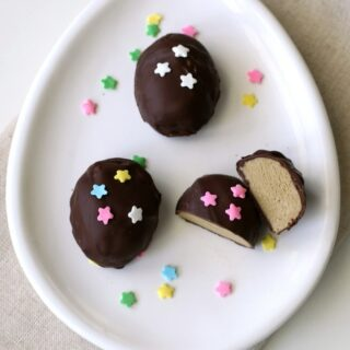 Allergy Friendly Chocolate Easter Eggs with a yummy alternative to peanut butter! Top 8 alternative to Reese's peanut butter eggs.