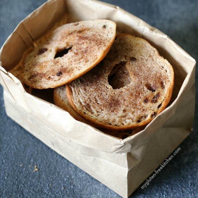 Gluten-free Cinnamon Raisin Bagel Chips. Yummy gluten-free lunchbox snack!