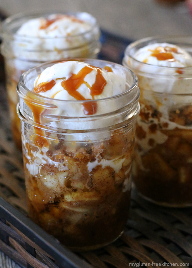 Gluten-free Caramel Apple Crisps in Jars. Yummy recipe! #glutenfree