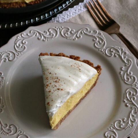 Gluten-free Eggnog Pie Recipe. The gluten-free snickerdoodle crust is perfect!