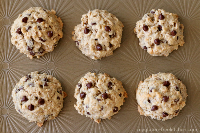 Gluten-free banana oatmeal chocolate chip cookies