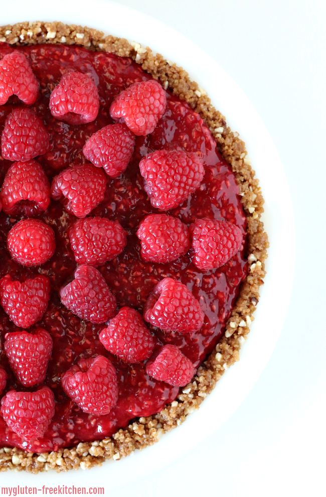 Gluten-free No Bake Raspberry Cream Pie recipe. Delicious way to enjoy fresh summer raspberries!