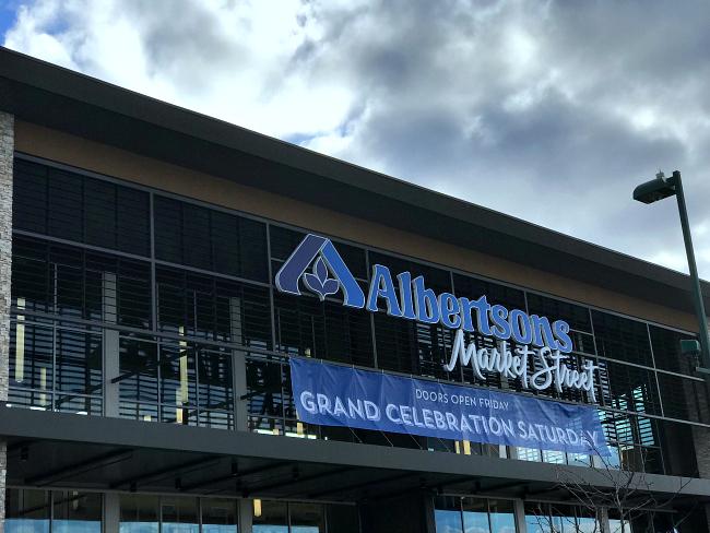 Albertsons Market Street in Meridian Idaho building