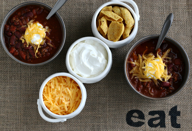 Gluten-free Chili and toppings