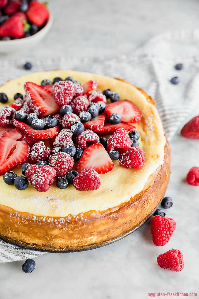 Gluten-free Cheesecake with fresh berries